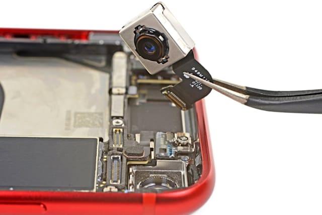 iphone se 2020 su dung linh kien cua iphone 8 anh 2