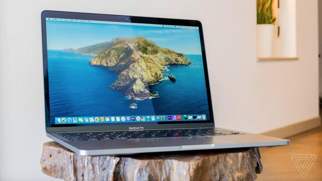 Apple MacBook Pro 13 inch 2020 chi co 2 cong USB-C anh 1