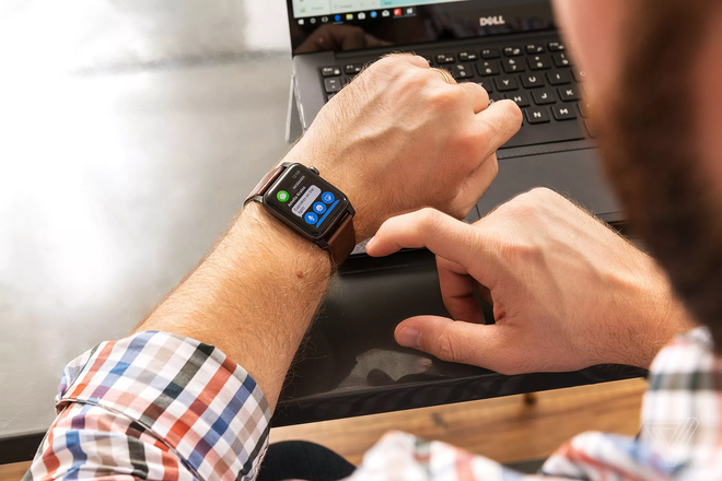 Co nen mua Apple Watch Series 3 vao nam 2020 anh 1