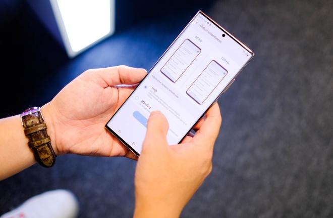 So sanh Galaxy Note20 Ultra va iPhone 12 Pro Max anh 1