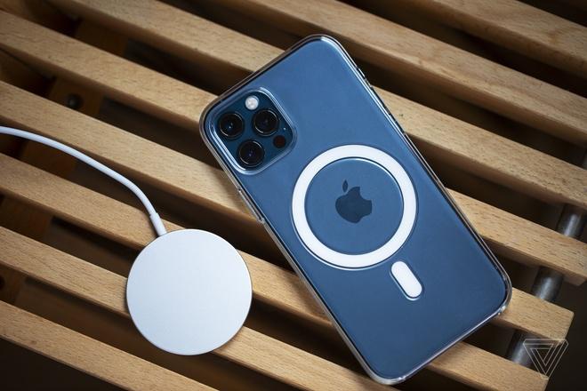 iPhone 12 gay nhieu thiet bi y te anh 2