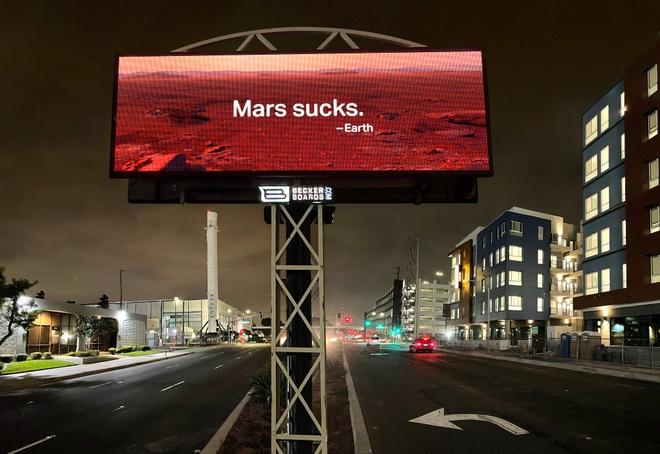Elon Musk bi phan doi anh 2