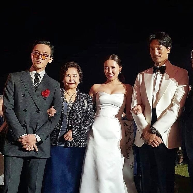 G-Dragon va nhung lan chung minh dang cap thoi trang khi dien suit hinh anh 1
