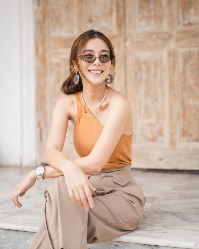 My nhan Thai Lan cham dien ao ho vai, bo sat khoe body sexy hinh anh 5