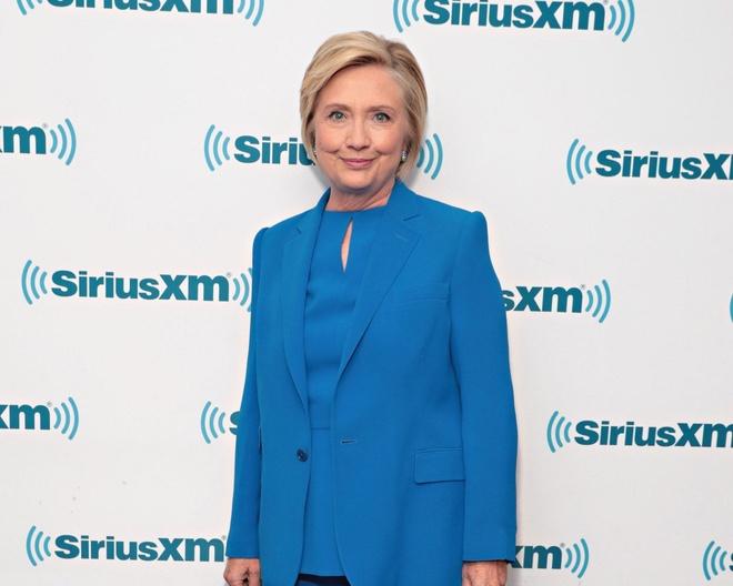 Phong cach thoi trang cua ba Hillary Clinton anh 3