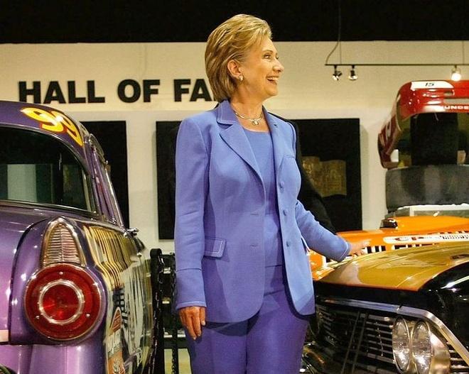 Phong cach thoi trang cua ba Hillary Clinton anh 4