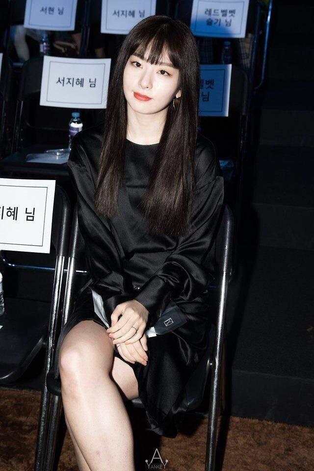 My nhan Red Velvet luon biet cach phoi do dep khi du su kien hinh anh 10