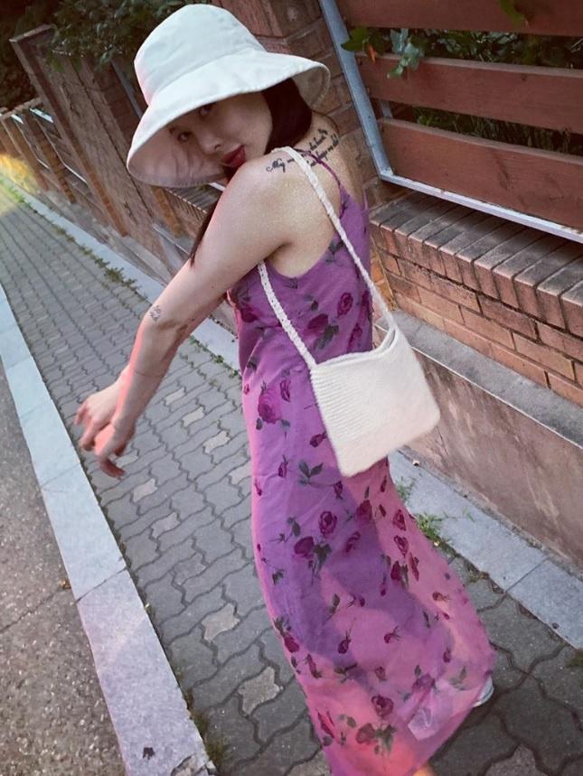 Khong phai do ho hang, HyunA ngoai doi thich mac vay ao hoa nu tinh hinh anh 13