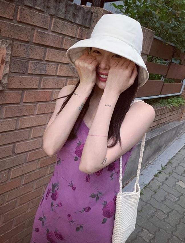 Khong phai do ho hang, HyunA ngoai doi thich mac vay ao hoa nu tinh hinh anh 14
