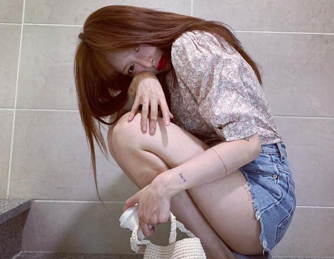 Khong phai do ho hang, HyunA ngoai doi thich mac vay ao hoa nu tinh hinh anh 15