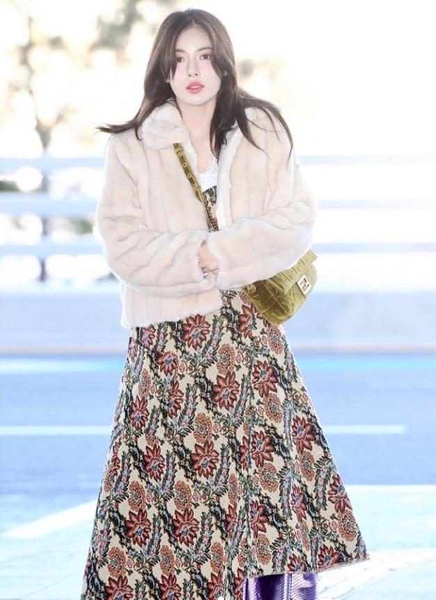 Khong phai do ho hang, HyunA ngoai doi thich mac vay ao hoa nu tinh hinh anh 1