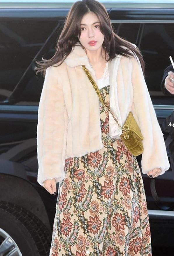Khong phai do ho hang, HyunA ngoai doi thich mac vay ao hoa nu tinh hinh anh 2
