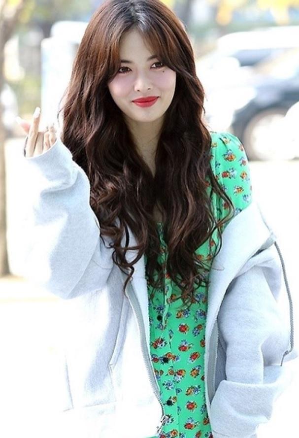 Khong phai do ho hang, HyunA ngoai doi thich mac vay ao hoa nu tinh hinh anh 6