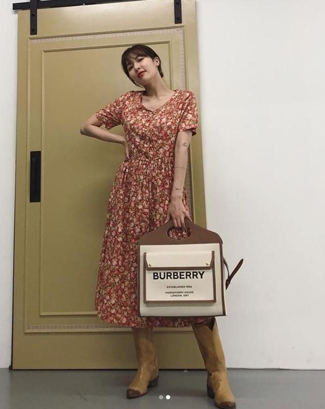 Khong phai do ho hang, HyunA ngoai doi thich mac vay ao hoa nu tinh hinh anh 8