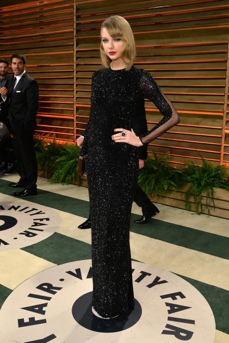 Taylor Swift va nhung bo canh dep nhat tren tham do 10 nam qua hinh anh 11 111.jpg