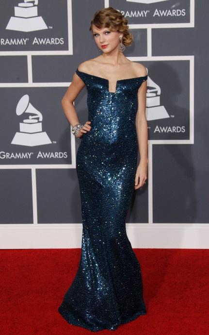 Taylor Swift va nhung bo canh dep nhat tren tham do 10 nam qua hinh anh 2 2.jpg