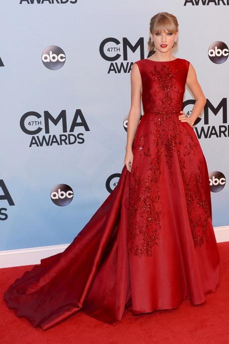 Taylor Swift va nhung bo canh dep nhat tren tham do 10 nam qua hinh anh 5 5.jpg