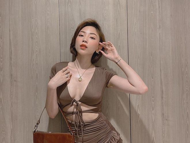 Toc Tien ngoai doi cham deo tui hang hieu, dien ao cup nguc goi cam hinh anh 1 12_2_.jpg