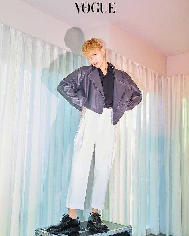 Taemin luon dien trai, tao dang thu hut tren tap chi hinh anh 2 Vogue_Korea.jpg