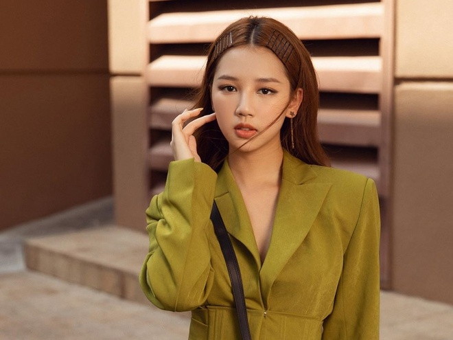 AMEE mua nhieu tui Dior, Louis Vuitton gia nghin USD hinh anh 10 8.jpg