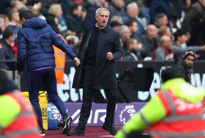 HLV Mourinho toan thang trong cac tran ra mat o Premier League hinh anh 1