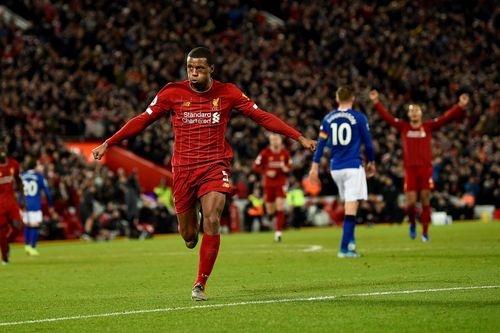 Mane toa sang, Liverpool tai lap khoang cach 11 diem voi Man City hinh anh 2