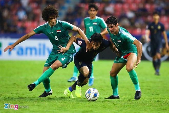Supachok có màn trình diễn cá nhân khá ổn ở VCK U23 châu Á 2020. Anh thường xuyên thực hiện những pha đột phá hiệu quả. Ảnh: Minh Chiến.
