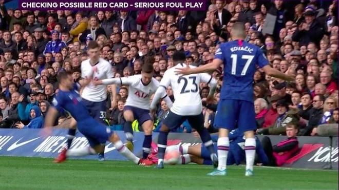 Trung tam VAR thua nhan sai lam vi khong duoi hoc tro Mourinho hinh anh 1 cfc.jpg
