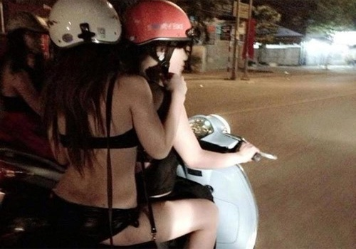 'Phu nu an mac ho hang cang kich thich ke bien thai' hinh anh