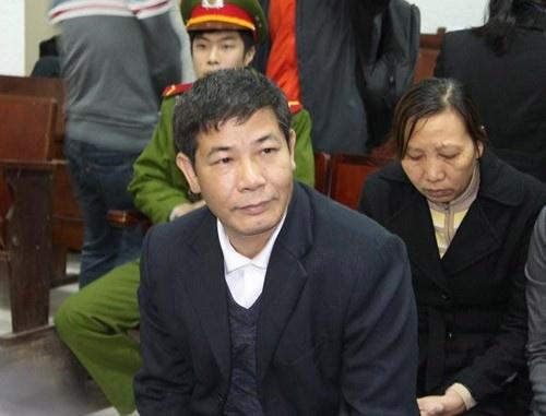 Giang chuc GD BV Hoai Duc: 'Khong biet truy to toi gi' hinh anh