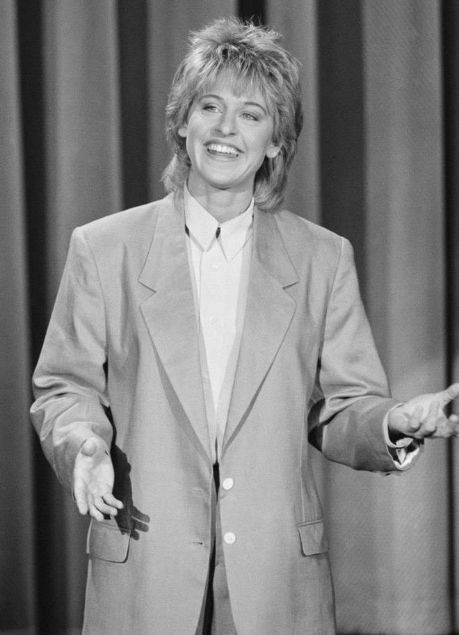 Tuoi tre cua MC Ellen: Cong khai gioi tinh that, ca nuoc My quay lung hinh anh 8