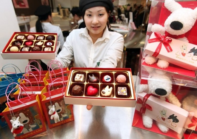 Valentine Trang la dip cac chang trai dap lai loi to tinh cua phai nu hinh anh 2 valentine_day_choco_768x544.jpg