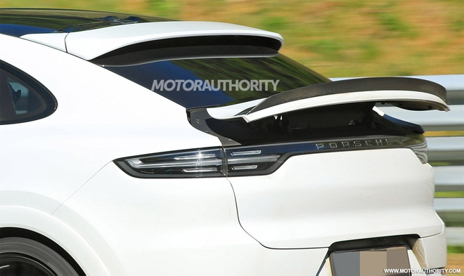 Porsche Cayenne Coupe 2022 lo dien tren duong chay thu anh 5