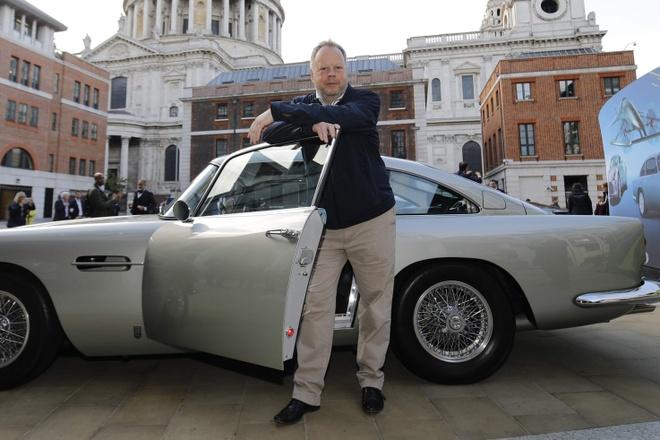 Aston Martin thay tuong nham cuu doanh so lao doc hinh anh