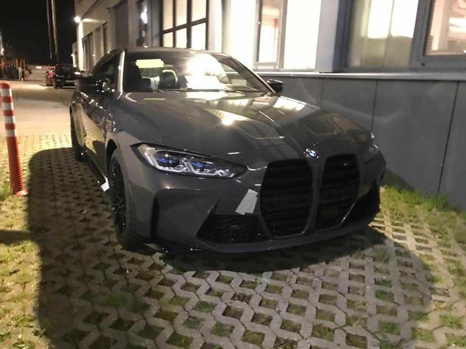 BMW M4 2021 lo dien voi luoi tan nhiet khong lo anh 3