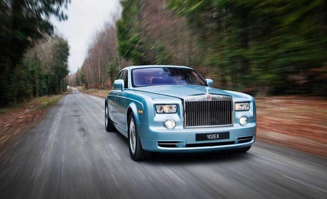 Rolls-Royce Phantom se co phien ban xe dien anh 1