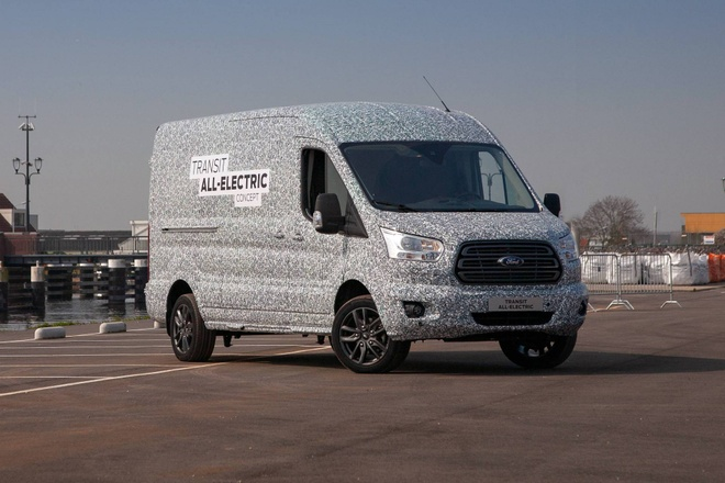 Ford Transit sap co phien ban chay dien hoan toan anh 1