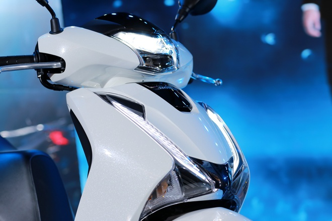 Honda SH 2019 bị đội giá 70 triệu đồng tại đại lý - Ôtô