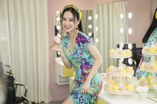 Angela Phuong Trinh ke chuyen an chay truong hinh anh 1