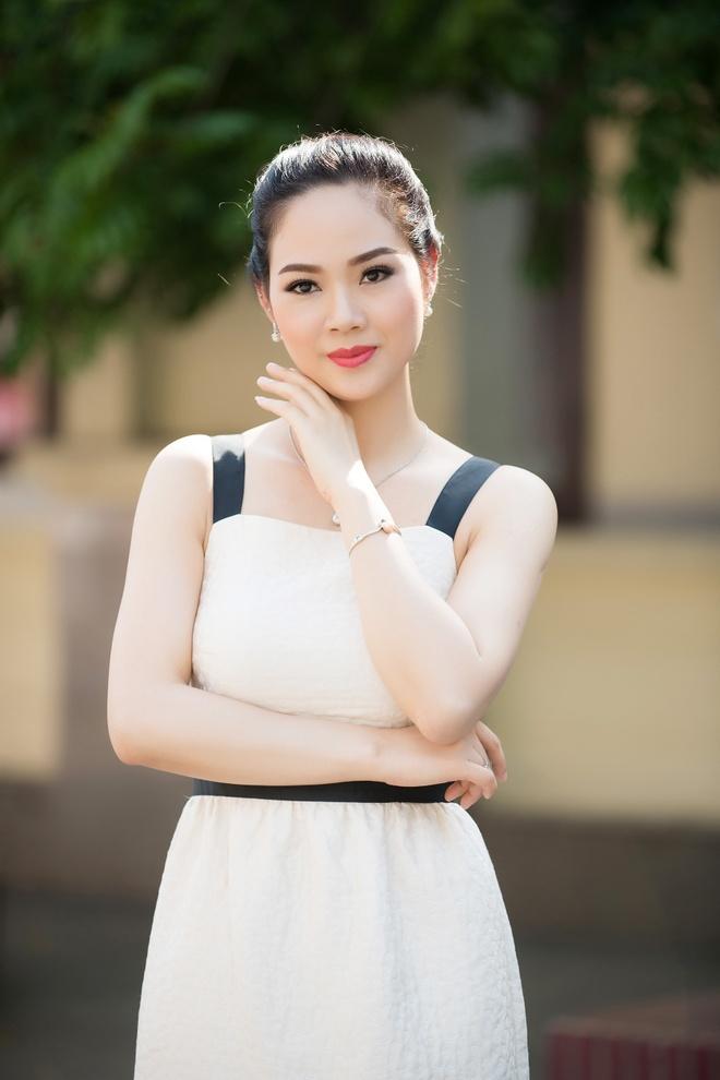 Hoa hau Mai Phuong tai xuat xinh dep sau 16 nam dang quang hinh anh 1