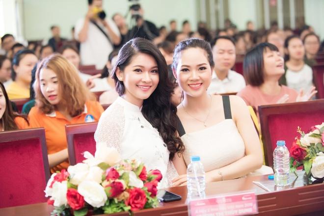 Hoa hau Mai Phuong tai xuat xinh dep sau 16 nam dang quang hinh anh 7