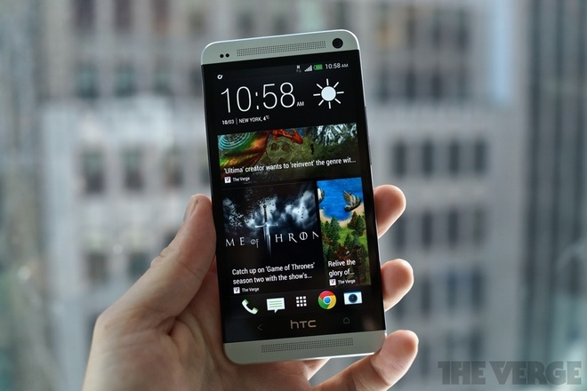 8 smartphone co thoi luong pin 'khung' nhat hinh anh