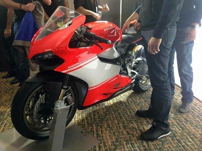 He lo anh thuc te Ducati 1199 Panigale R Superleggera hinh anh