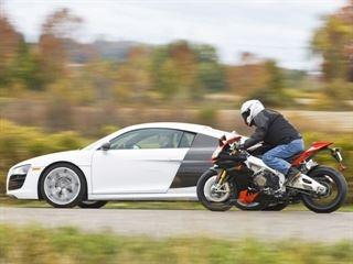 Sieu xe Audi R8 do suc hai sieu mo to khung hinh anh