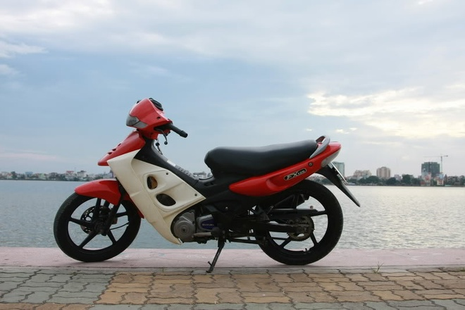 Tin do Suzuki va noi nho FX, RGV hinh anh