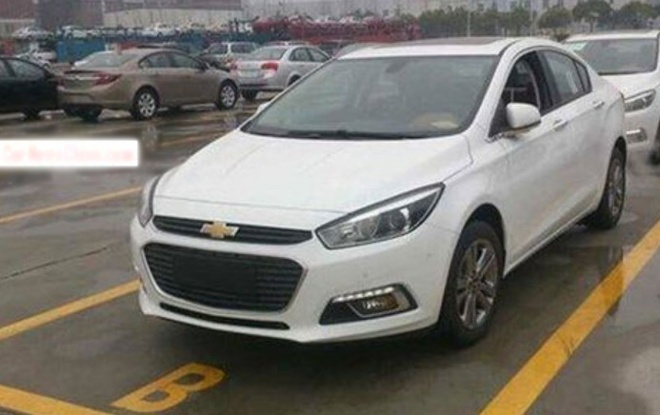 Chevrolet Cruze the he moi bat ngo lo dien hinh anh