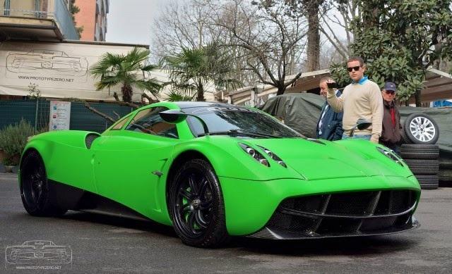 Anh dep sieu xe 1/4: Pagani Huayra mau xanh la tai Nam Phi hinh anh