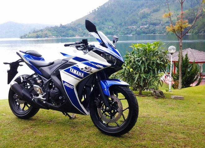 Yamaha R25 so ke cung cac doi thu Ninja 250 va Honda CBR250R hinh anh