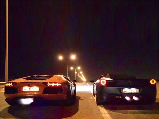 Lamborghini Aventador va Ferrari 458 Italia thi tai khac lua hinh anh
