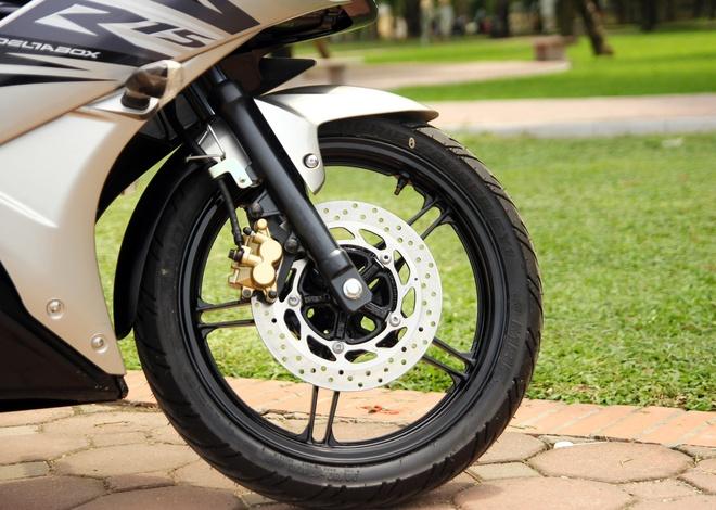 Can canh Yamaha R15 2014 moi ve Ha Noi hinh anh 11